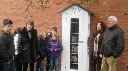 Bücherschrank Leintorschule©Bürgerstiftung im Landkreis Nienburg