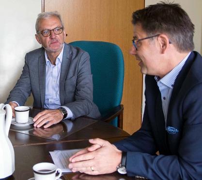 Frank Lehmeier (lks,) im gespräch mit Martin Franke